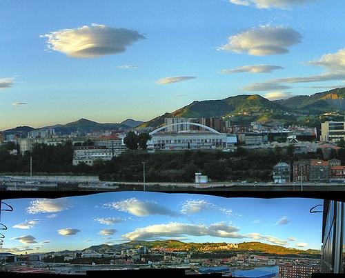 Invasión UFO sobre San Mamés by imbecil, via Flickr