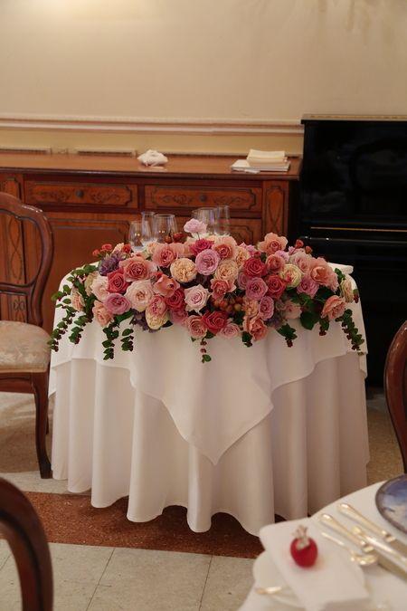 秋の装花 リストランテASO様へ バラと実り  : 一会 ウエディングの花