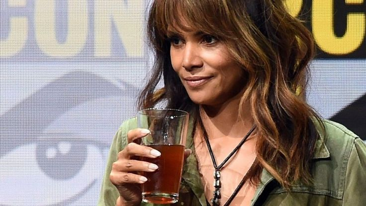 The star was challenged to down the drink while promoting her film, Kingsman: The Golden Circle.