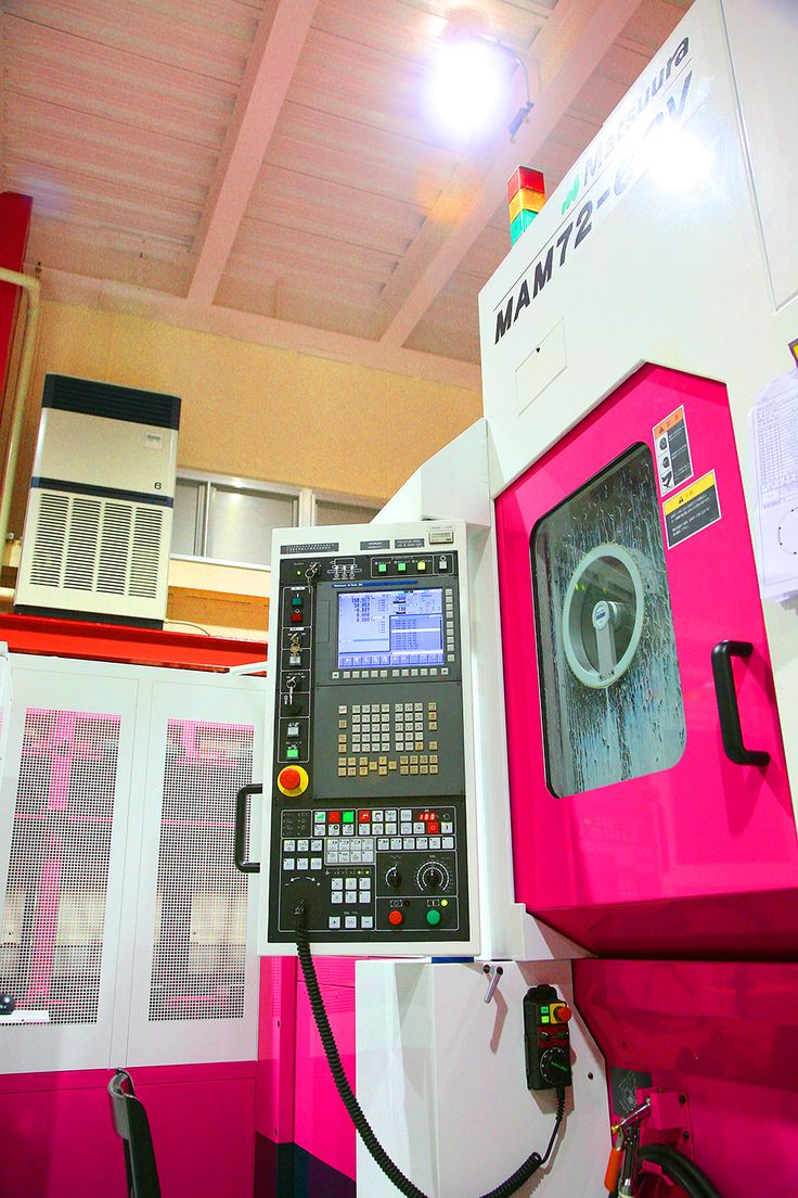 Five-axis machine Matsuura 63V #pink 五軸加工機/松浦機械/63V