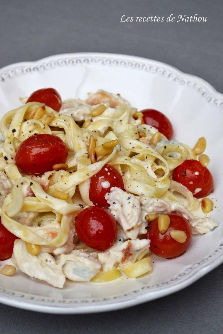 Les recettes de Nathou: Tagliatelles au poulet, sauce crémeuse au gorgonzola, pignons de pin et tomates cerise poêlées