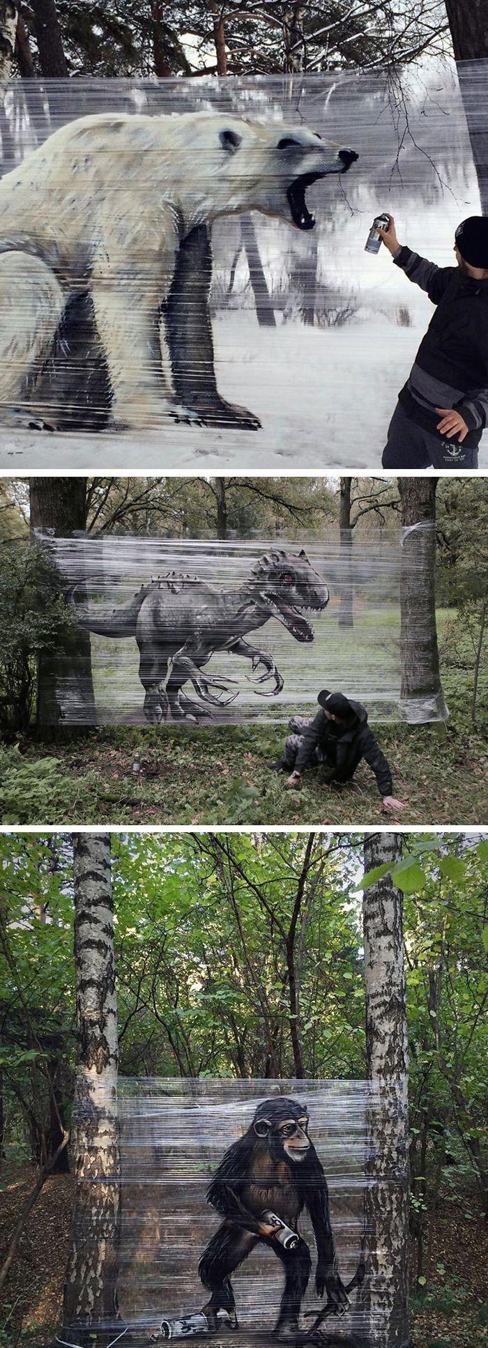 Graffiti-Künstler sprüht riesige Tiere auf Plastikfolie in einem Wald