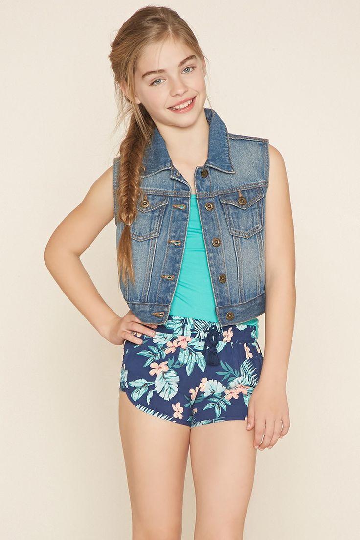 Girls Floral Shorts (Kids) 12,90 Forever21