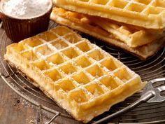 Brusselse wafels - Libelle Lekker! - Knapperig, licht en luchtig: om warm te eten met slagroom, ijs of fruit en altijd met een laagje bloemsuiker