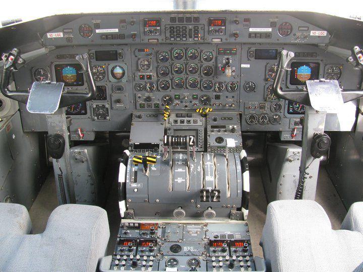 Bombardier Dash 8-300 series cockpit