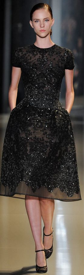 Elie Saab - Haute Couture Spring 2013.. LBD. Black dress. Vestido negro