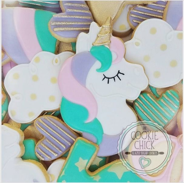 "The Cookie Chick | tluu on Instagram: ""As a glaze cookier, I find myself occasionally wanting my work to be able to look like all the others. I really faced that w this unicorn design. I wanted multi color swirls of color wrapped around each other for the mane but there are limits to glaze (for me anyways). In the end though, I'm happy glaze is different and at times unique. #glazedcookies, #sugarcookies, #decoratedcookies, #thecookiechick, #desserttables, #customcookies, #cookiefavors…"