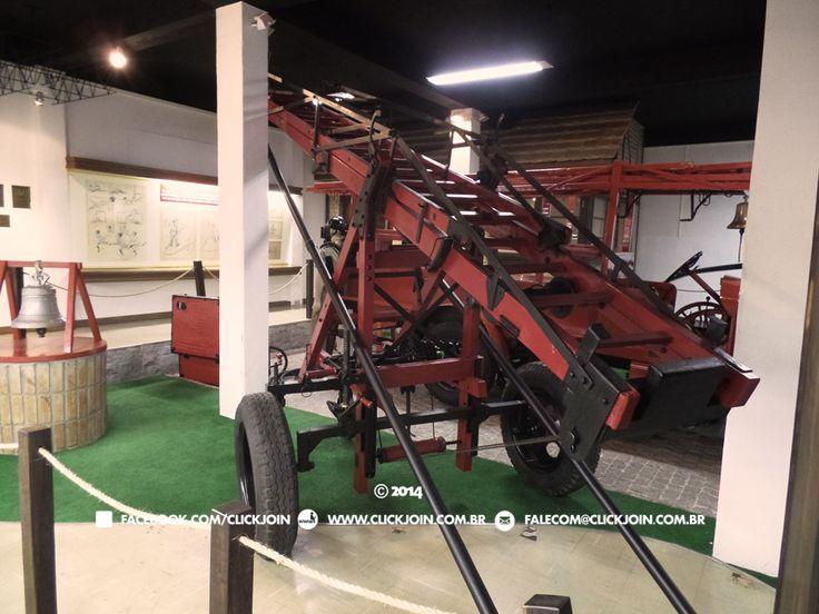 Museu Nacional do Bombeiro Voluntário em Joinville traz a história de 123 anos do Corpo de Bombeiros Voluntários de Joinville. Carros, equipamentos e mais.