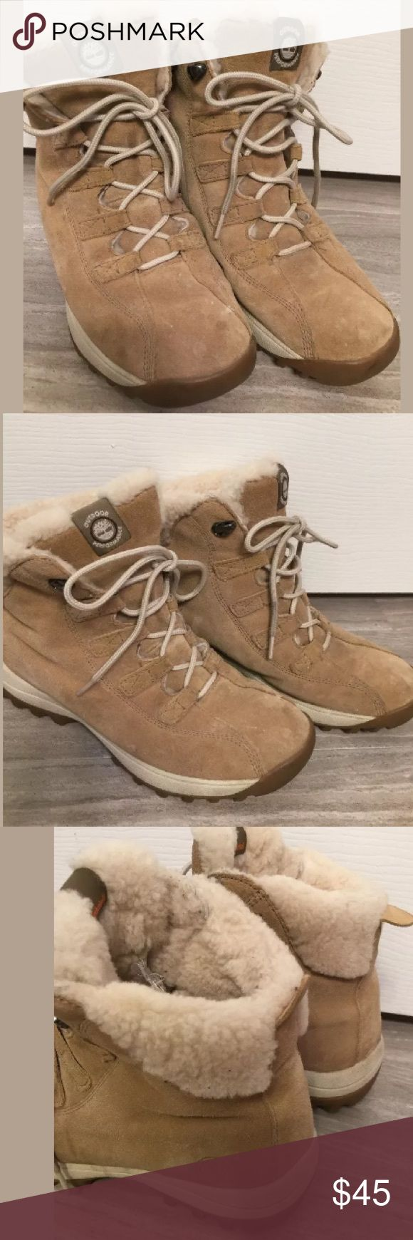 Timberland hiking Boots 9 Beige timberland hiking boots. Sherpa lined. Few light marks. Overall great shape! Size 9 Timberland Shoes Ankle Boots & Booties