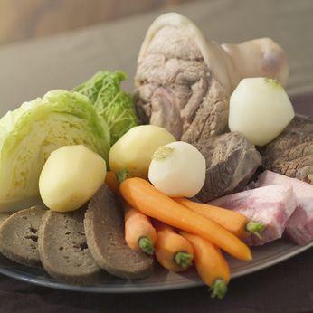 Découvrez sur le blog Tempête de l'Ouest, la véritable et traditionnelle recette du kig ha farz breton. Un plat typique de Bretagne !