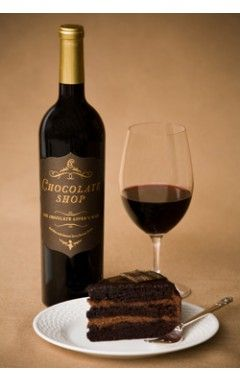 Using our favorite wine to make cake, yes please!