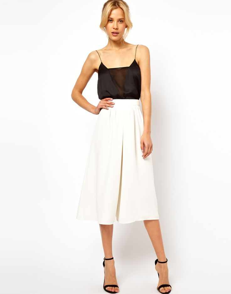 white culottes - wish I was brave enough to wear culottes!