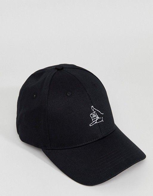 Gorra de béisbol en negro con bordado hecho a mano de f1ed31ec6f4