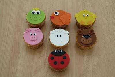 animal cupcakes @karinstaarten.blogspot.nl