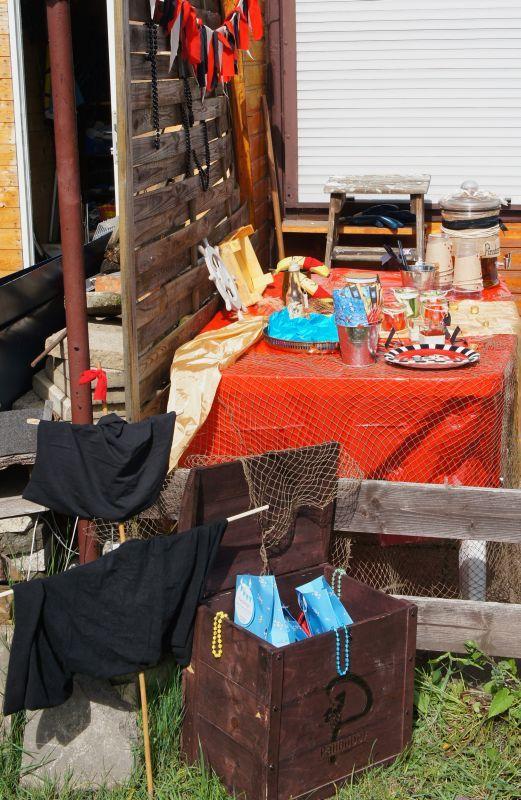 Die Besten 25+ Piratenparty Tische Ideen Auf Pinterest Strand   Piratenparty  Deko Kaufen