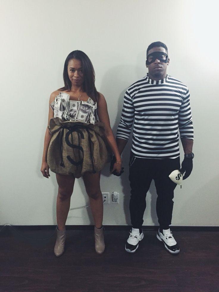 Robber and Bag of Money costume. Easy tutorial on aishaalcaraz.com