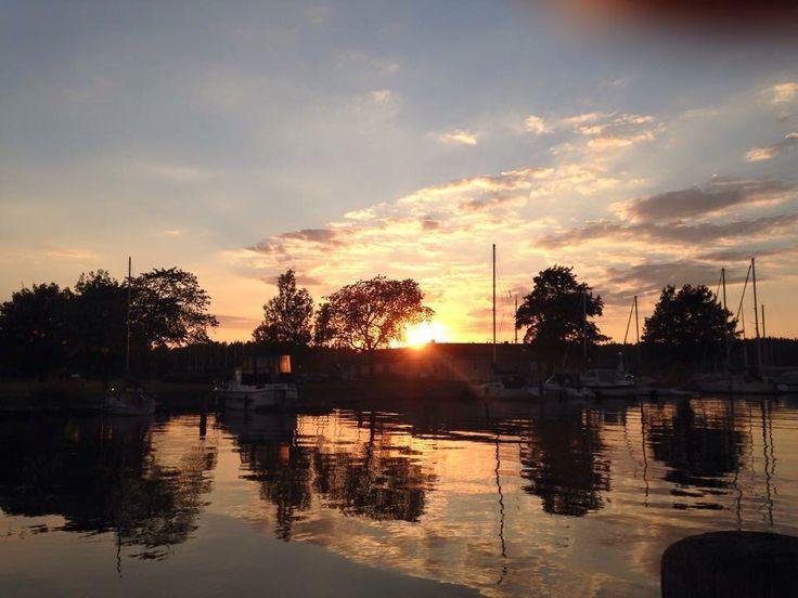 #Vänersborg # nature #sky #colorful #lake