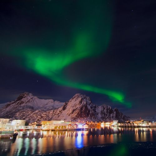 Cruise to Norway in the winter? Yes! Looks so beautiful, what a wonderful winter travel idea!