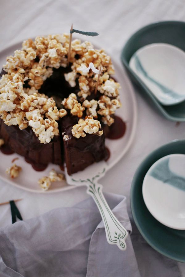 Miss Klein: Nutella and banana cake with caramel popcorn