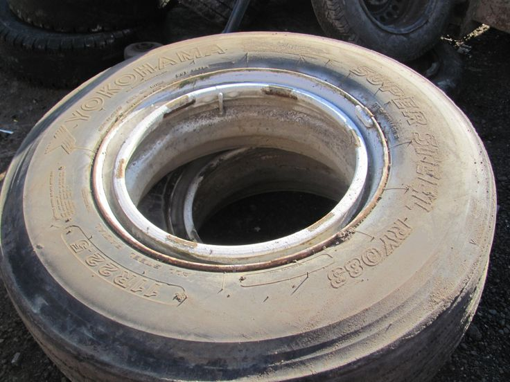 Yokohama 11Rx22.5 Semi Truck Steer Tires, Outer Dayton Rims included $200.00 each as is