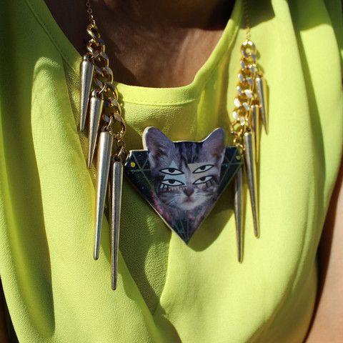 Psychadelic Cat Necklace | HOTTT.COM