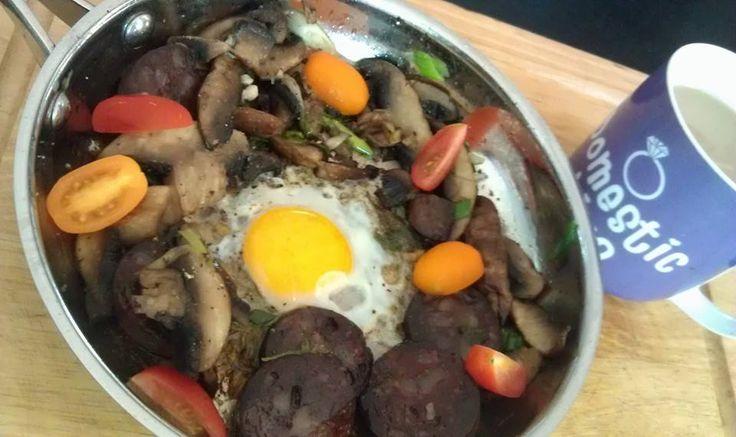 Day 28 - Breakfast mushrooms, black pudding, and bantem egg