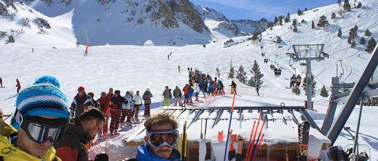 #PUENTEDEDICIEMBRE , #LAALMUDENA ven a #ESQUIAR con #SINGLES de toda España a #LAMONGIE en Francia. + info tfno. 91.5221998 o http://www.b2bviajes.com/viaje/vacaciones-singles/esqui-puente-de-diciembre