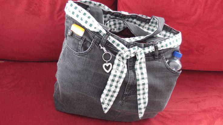 die besten 25 tasche aus jeans ideen auf pinterest handtasche jeans jeanstasche n hen und. Black Bedroom Furniture Sets. Home Design Ideas