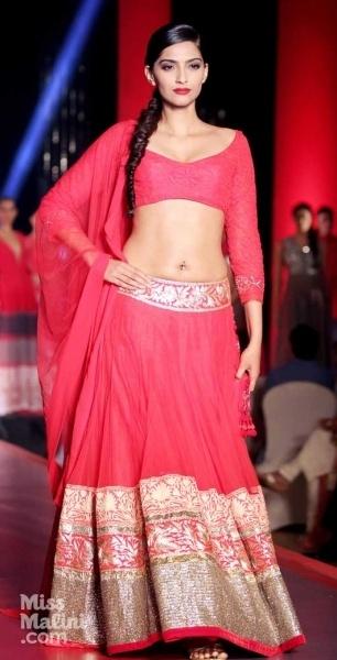 #SonamKapoor in bright #pink Manish Malhotra full length lengha and blouse