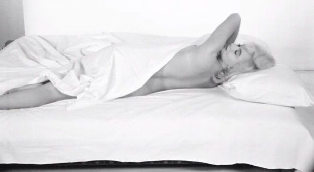 7 razones por las que debe dormir desnudo