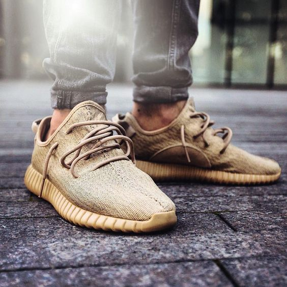 Adidas Yeezy Boost 350 V2 Order shoes from www.kicksyourshoes.com at amazing price! Give it a shot! We are trusted! (link in my bio) Any necessary DM me / Contact us WhatsApp: (+86)17172611480 Email: kicksyourshoes@gmail.com