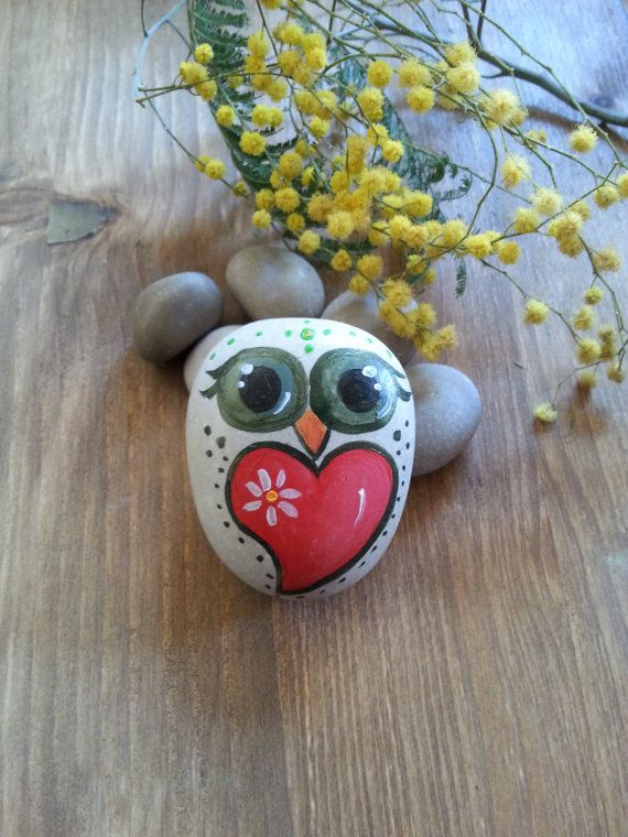 hand-painted stone  Owl hand-painted on stone  by AxiKedi on Etsy