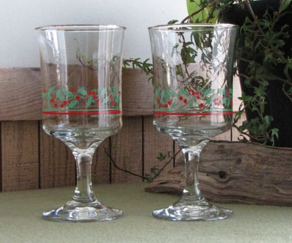 Christmas Wineglasses Arby's Holly and Berries Two by LazyYVintage