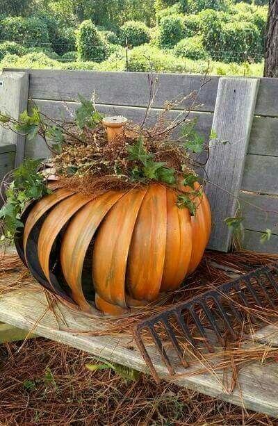Roof vent turbine pumpkin