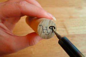 Cómo crear sellos de madera o corcho para sellar cera o lacre. Haz tus propios sellos de cera o lacre