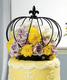 Large Wire Crown Embellishment in Matte Black cake topper, kind of looks like a bird cage