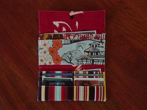 Friday Finds – A list of 30+ free tutorials and patterns for wallets and pouches