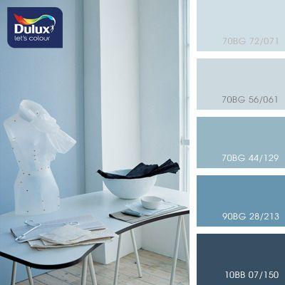 Удивительно приятная композиция в холодных тонах. Мягкие переходы синего цвета создают ощущение свежести и прохлады. В таких водных красках прекрасно будет смотреться интерьер ванной комнаты. Также гамма подойдет для оформления бассейнов и спа-комплексов.