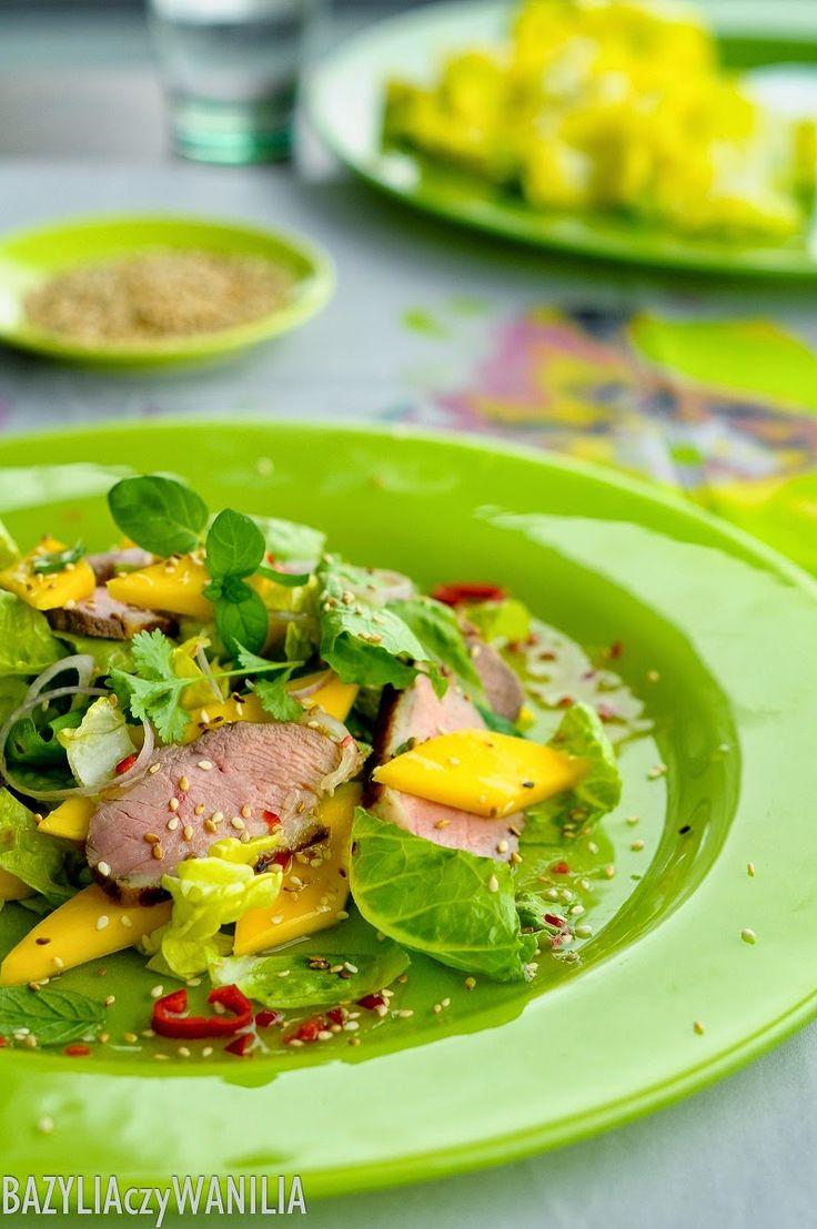 Sałatka z kaczki i mango w stylu tajskim