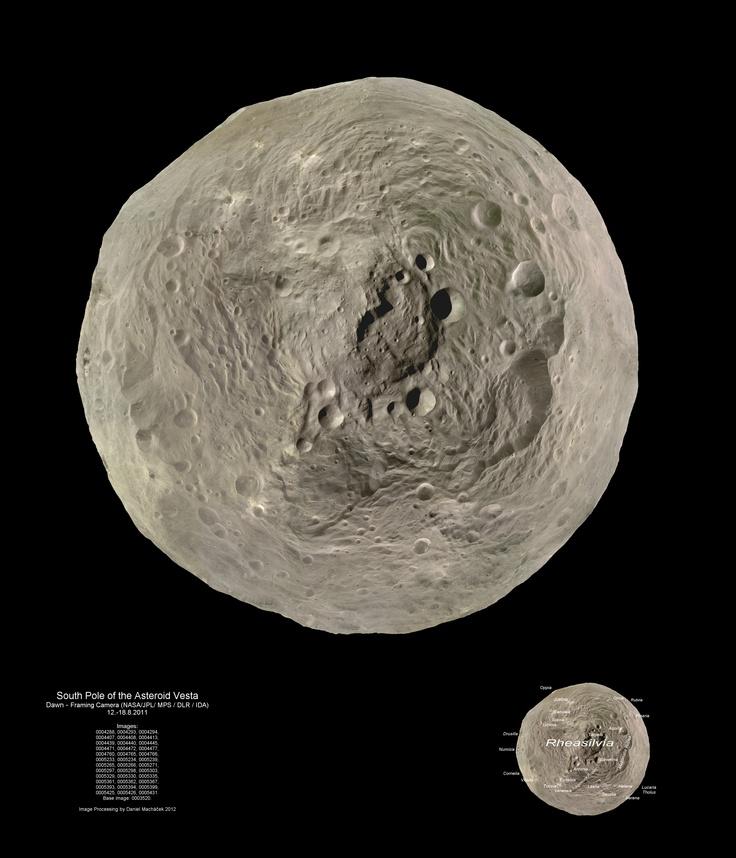 Approximately true color mosaic of the south polar region of the asteroid Vesta.  NASA / JPL / MPS / DLR / IDA / Daniel Macháček.