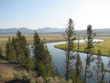West USA on the road - Il nostro primo viaggio. Era il 2007, e come viaggio di nozze partimmo dall'Idaho con un'auto a noleggio, 2 zaini e 1 tenda. Il viaggio durò 21 giorni, passando per le Twin Falls, rilassanti cascate, al magnifico Yellowstone dove trekking, animali e splendidi paesaggi hanno contribuito alla realizzazione di un sogno, insieme al Grand Teton.
