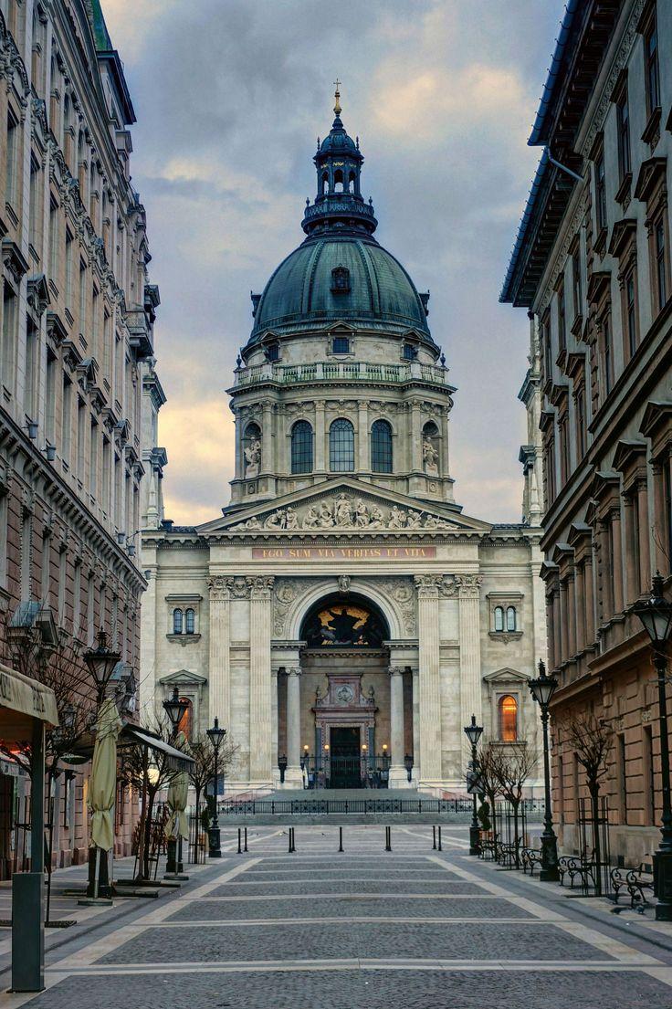 https://flic.kr/p/S769Rw   St.Stephen Basilica-Budapest(Szent István-bazilika)