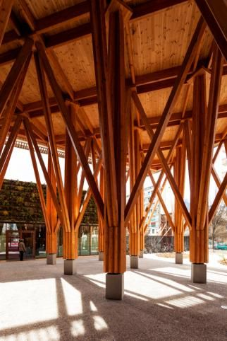 Glulam.org, Portail du bois lamellé - LYCEE LES EAUX CLAIRES : STRUCTURE POTEAU-POUTRE -