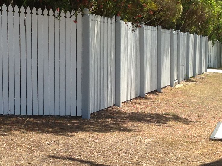 Exposed colonial timber fence in Brisbane