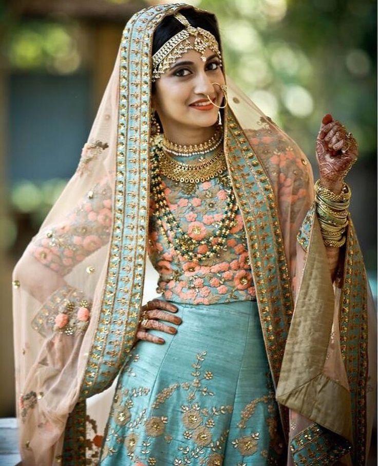 M s de 1000 ideas sobre trajes anarkali en pinterest - Telas de la india online ...