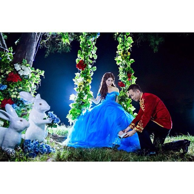 Allow me .... @dickynjato @cecilliaangellia . . Photo by @andy_chandra  Makeup by @jengkyjasonmakeup  Gown by @cynthiatan__  Decoration by @evlindecoration . .  #prewedding #storylove #cinderella #midnight #love #instawedding #jengkyjasonmakeup #cynthiatan #iclickphotograph #conceptual