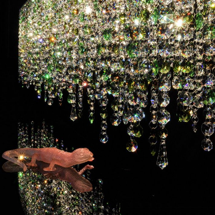 Linea Crystal Chandelier Manooi www.manooi.com #Manooi #Chandelier #CrystalChandelier #Design #Lighting #Linea #luxury #furniture