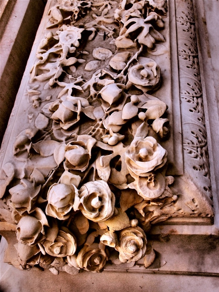 Close up of wonderful carving - Bonaventure Cemetery, Savannah, GA.  photo by Dick Bjornseth