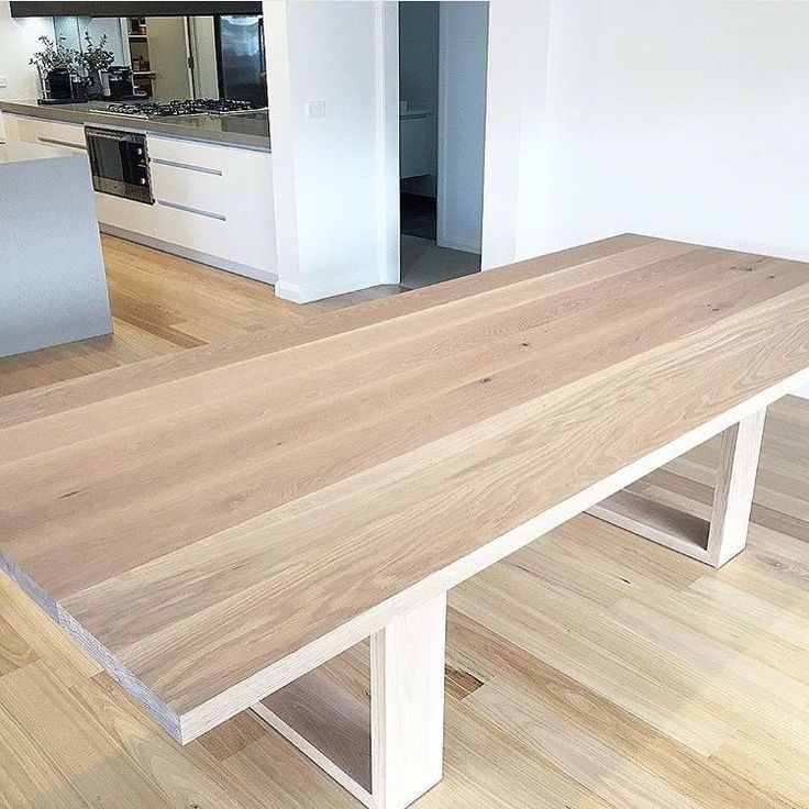 Allegre Dining Table