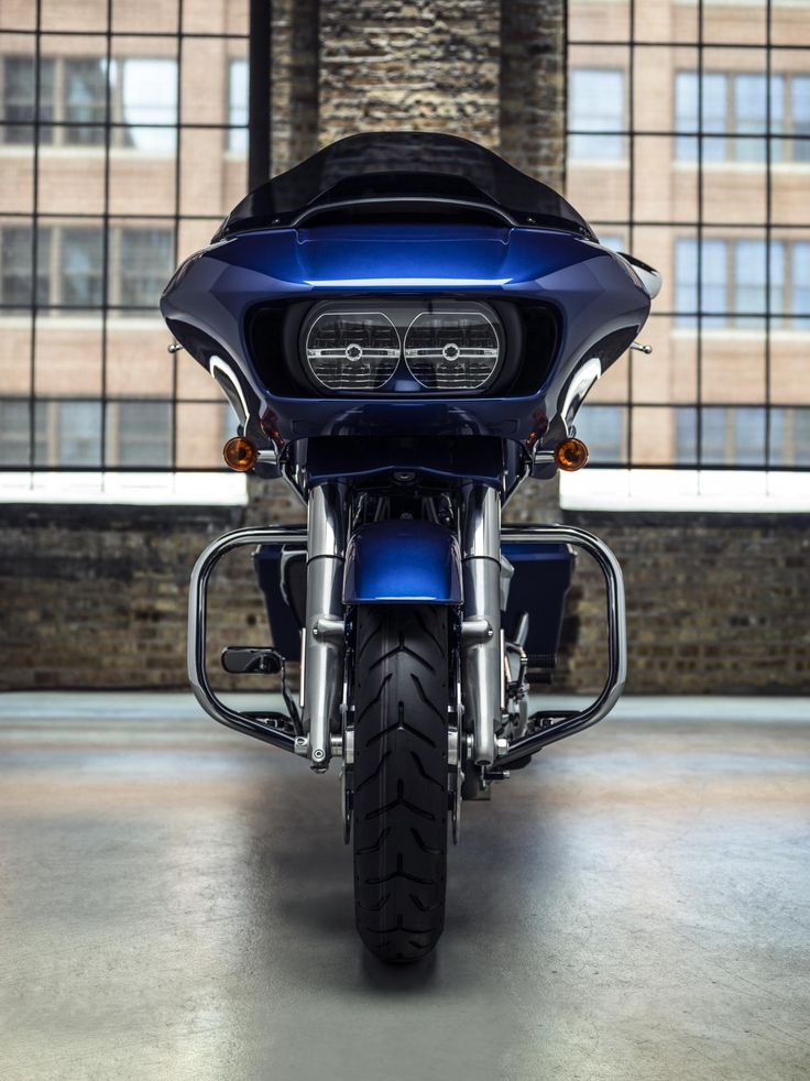 If you like to dial up the comforts for endless miles on the wide open road, you're in for one hell of a ride.   2017 Harley-Davidson Road Glide Special